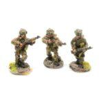 BP02 – 2 x Riflemen moving and 1 x Rifleman firing