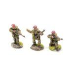 BP22b – 2 x Riflemen moving and 1 x Rifleman firing