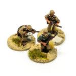 DK04 – 3 x Riflemen moving