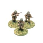 RA02 – 3 x Riflemen moving
