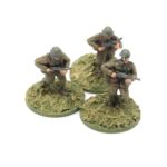 RN04 – Romanian Infantry – Infantrymen with SMG, x3 advancing