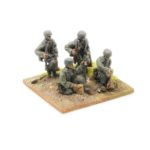 SE19 – 50mm Mortar Team, moving and firing (4)