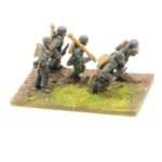 SE21 – 8cm Grw 34 Mortar and Crew moving