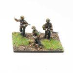 SS46c – NCO & x2 Riflemen with Kar 98 Rifles advancing