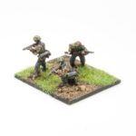 SS48c – Riflemen with GWR 43 automatic rifle x3