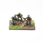 SS56c – Tank hunters with panzerfaust moving (3 figures)